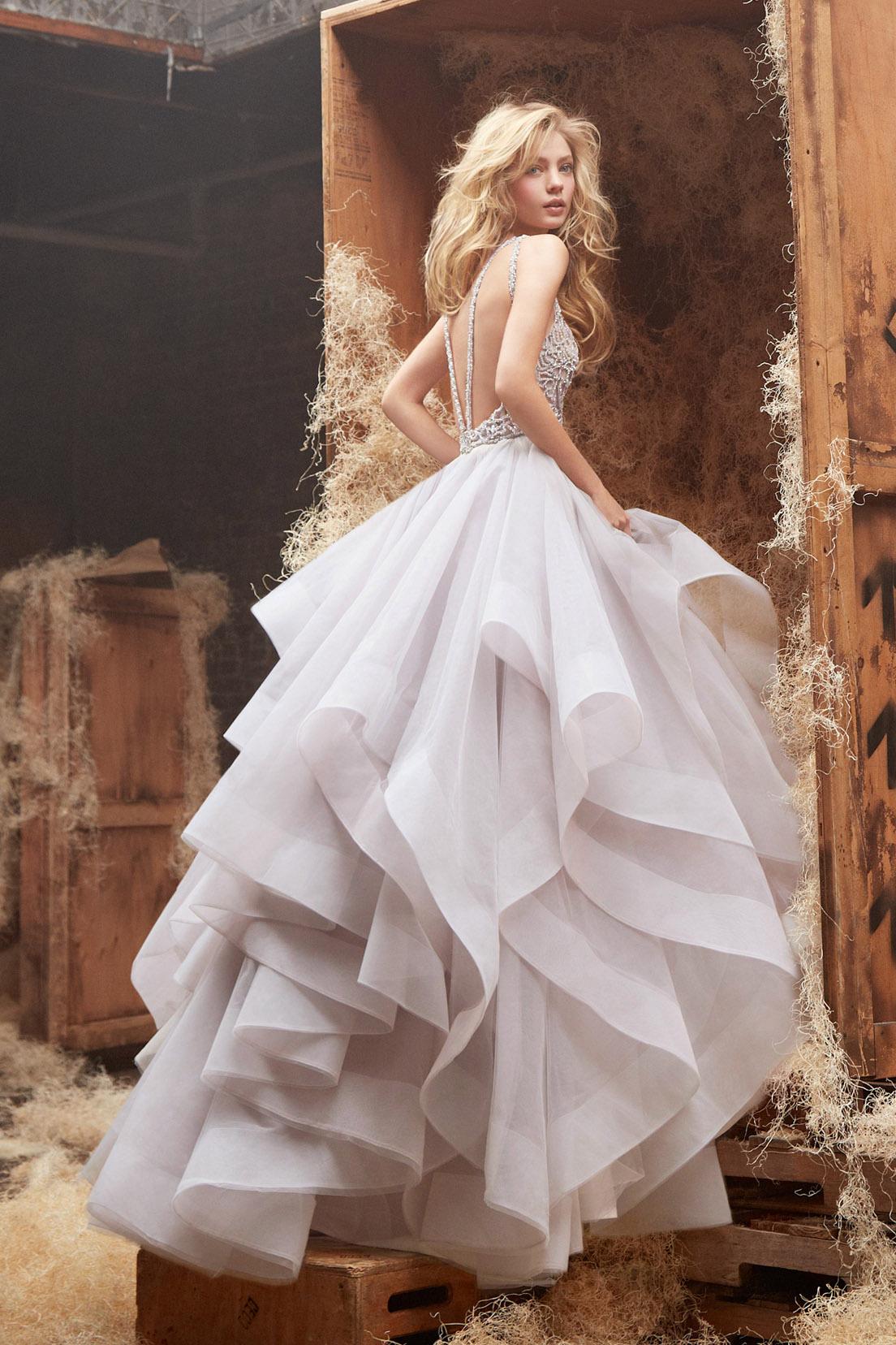 Платья с открытой спиной | Свадебный салон Mon Ange | Французские
